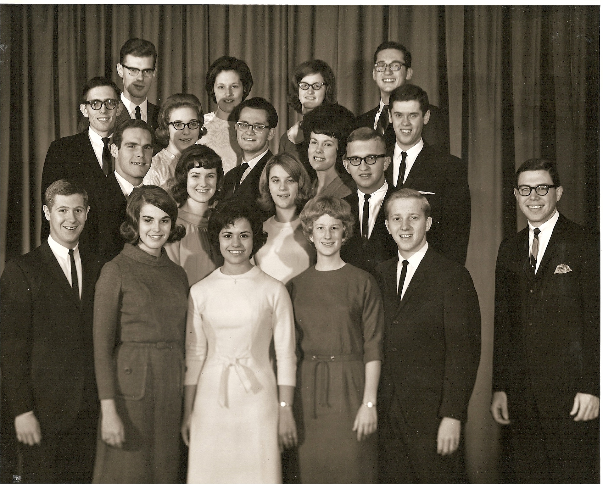196510 Singing Collegians orig grp