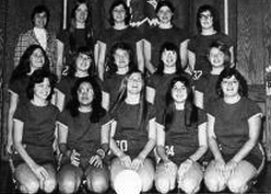 1976s w vball team with Phyllis